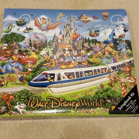WALT DISNEY WORLD Scrapbook Kit
